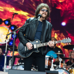 LIGHTS ALIVE: Jeff Lynne's ELO is still a livin' thing.